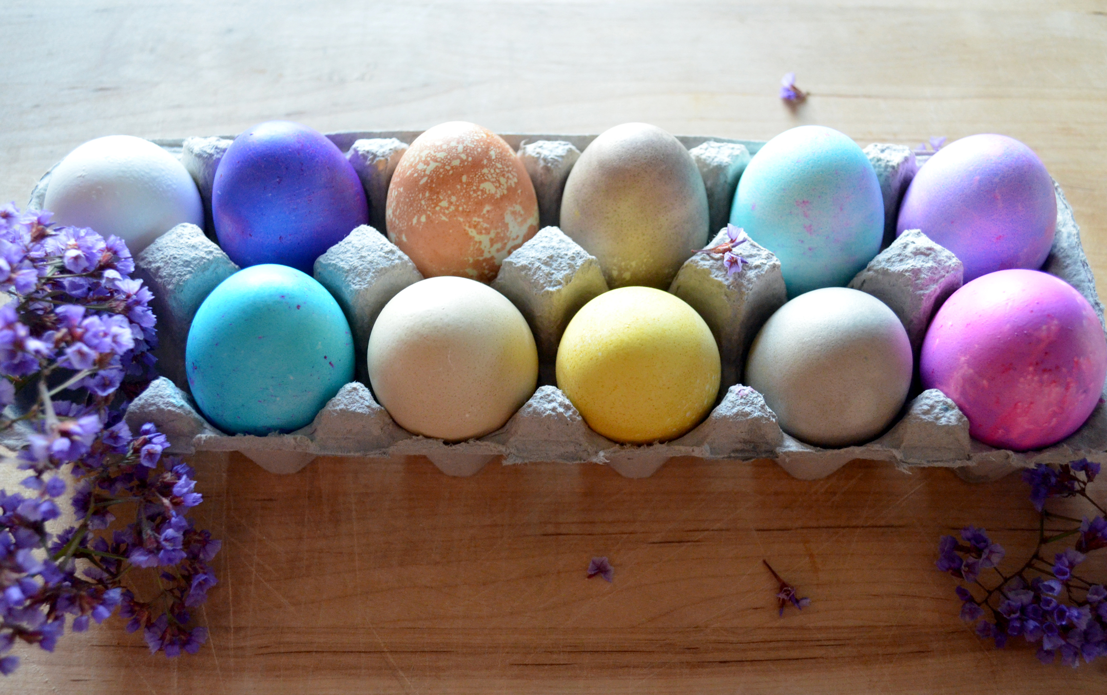 Naturally Dyed Easter Eggs | KIDOLO