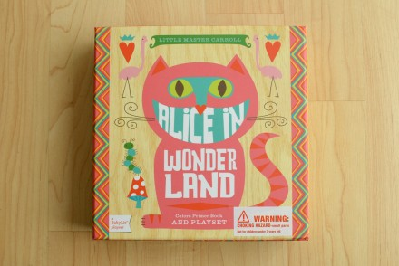Alice in Wonderland color priming book and playset